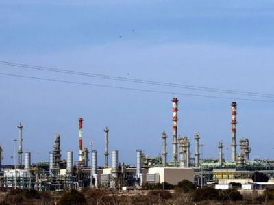 Military could be used to reopen Libyan oil ports